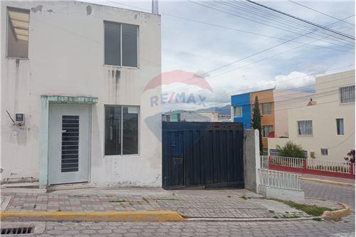 Casa - De Venta - Calderon (Carapungo), Ecuador - 1 - 890321268-8