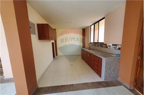 Casa - De Venta - Manta, Ecuador - 14 - 890351041-22