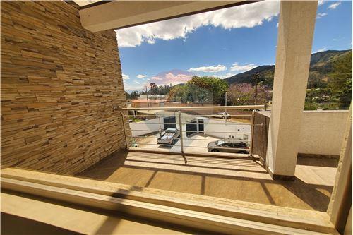 Casa - De Venta - Quito, Ecuador - 31 - 890321250-43