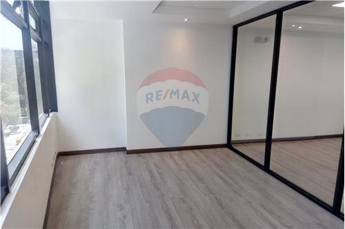 Oficina - De Venta - Iñaquito, Ecuador - 37 - 890091346-23