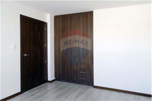 Casa - De Venta - Quito, Ecuador - 20 - 890321250-43