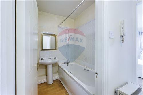 Condo/Apartment  - For Sale - Smithfield, Dublin 7 - Bathroom - 90561015-865