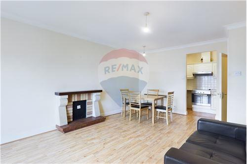 Condo/Apartment  - For Sale - Smithfield, Dublin 7 - Living/ dining room - 90561015-865