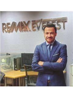 Ashour Galal - RE/MAX EVEREST - ريـ/ـماكس إفيرست