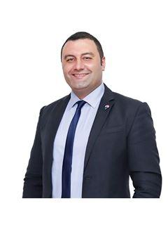Broker/Owner - Mahmoud Samy - RE/MAX AVALON - ريـ/ـماكس أفالون