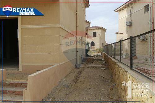 Standalone Villa - For Sale - New Cairo, Egypt - 10 - 910591005-82
