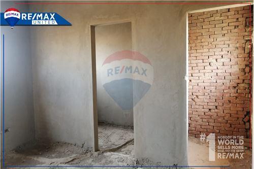 Standalone Villa - For Sale - New Cairo, Egypt - 9 - 910591005-82