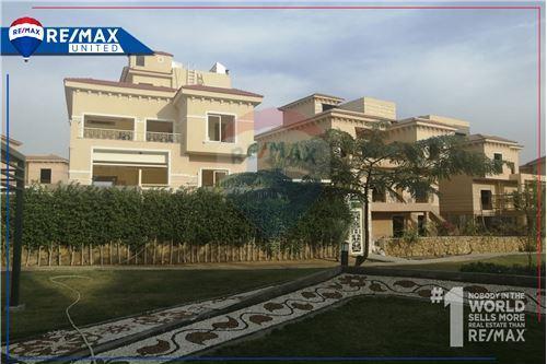 Standalone Villa - For Sale - New Cairo, Egypt - 5 - 910591005-82