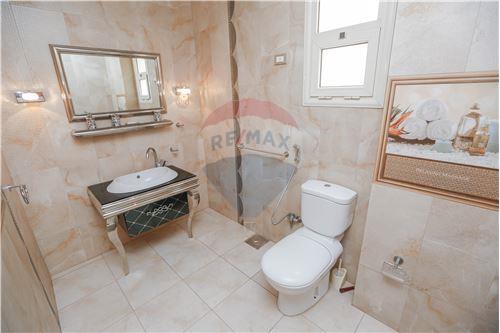 Standalone Villa - For Sale - Al Mamoura, Egypt - 45 - 910461002-193