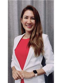Katekaew Hanpitakwong - RE/MAX Signature Real Estate