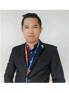 Kananek Wongbabpa - RE/MAX Property Pros