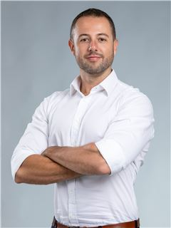 Franchise Owner  - Nick Therrien - RE/MAX Property Center