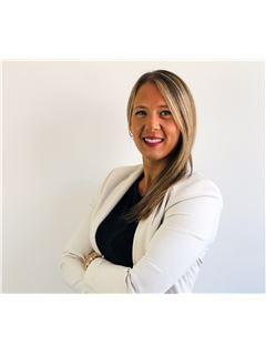 Associate in Training - Fabiana Steinberg - RE/MAX Focus