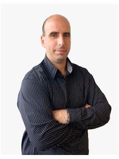 Associate in Training - Gustavo Sosa - RE/MAX Mar