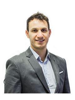 Associate in Training - Gabriel Agüero - RE/MAX Focus