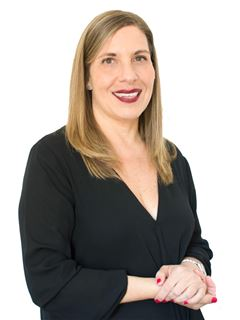 Associate in Training - María Martha Tilly - RE/MAX Focus