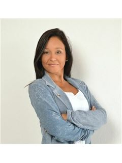 Madelon Vega - RE/MAX Mar