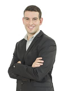 Associate in Training - Martin Sedes - RE/MAX Único