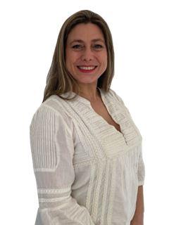 Associate in Training - Gianna Cotelo Iriart - RE/MAX Costa