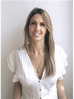 Associate in Training - Valentina Toscani - RE/MAX Focus