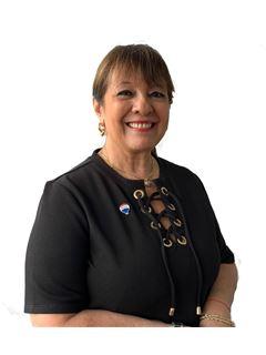 Associate in Training - Sandra Nicolas - RE/MAX Mar
