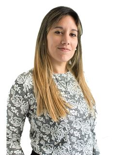 Associate in Training - Lucía Cardona - RE/MAX Focus