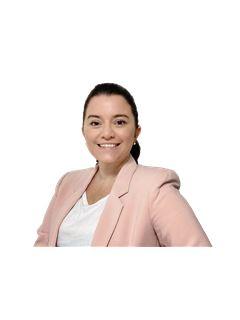 Associate in Training - Gabriela Canedo - RE/MAX Costa