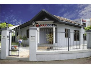 Office of RE/MAX Costa - Carrasco