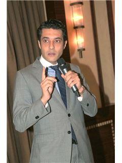 Associate - Mohamed Ezzat - RE/MAX Eagles